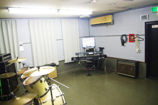 B-studio_slide03